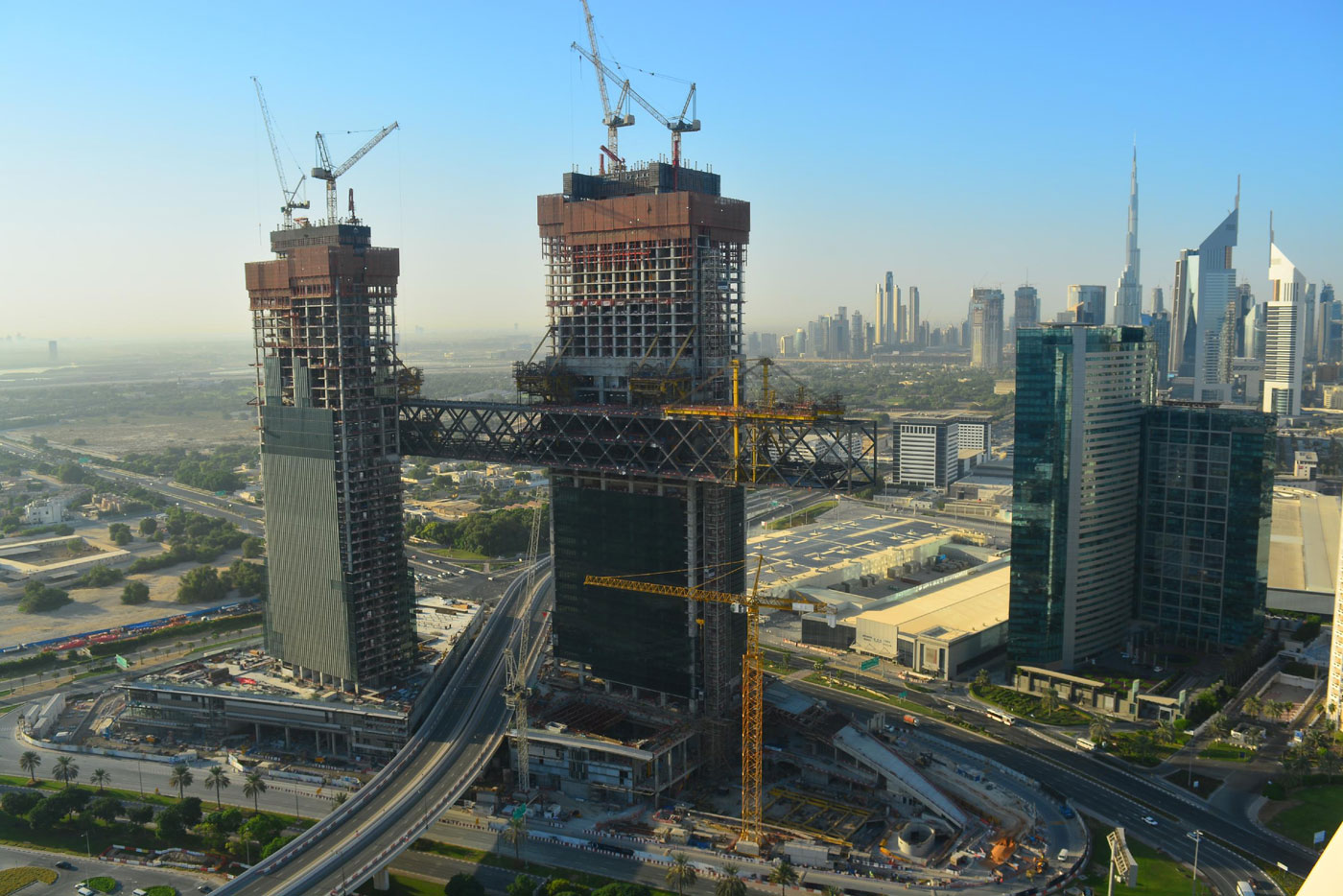 """Ithra Dubai completes The Link at One Za'abeel, now attempts to break the world record for the """"Longest Cantilevered Building"""""""